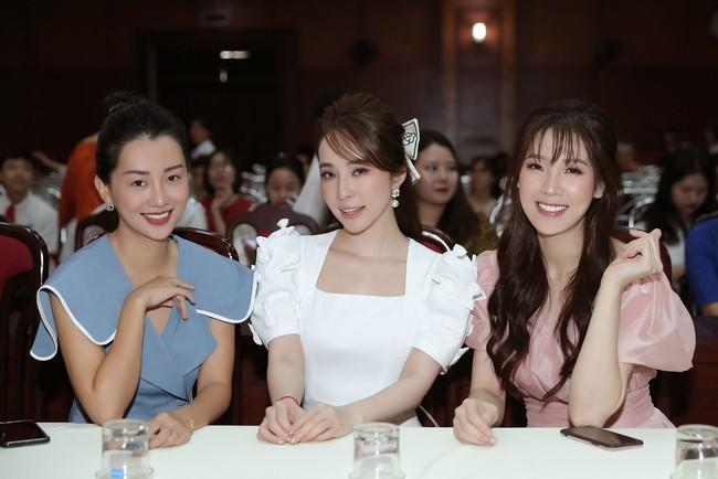 Dàn mỹ nhân Hà Thành tụ tập nhưng vòng 1 của Quỳnh Nga chiếm hết spotlight, đến Mai Phương Thúy cũng bị lép vế - Ảnh 5.