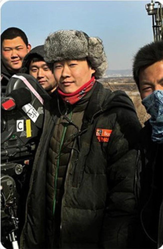 """Gia thế khủng của """"người tình kém 8 tuổi"""" vừa lộ clip sống chung cùng Triệu Vy: """"Phú đại nhị"""" giàu có nổi tiếng, tốt nghiệp Đại học ở London - Ảnh 3."""