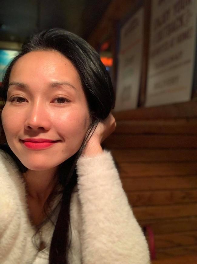"""""""Giờ mới có thời gian để post và chúc cả nhà ngày mới vui vẻ và tràn đầy niềm vui nhé!"""", Kim Hiền nói."""