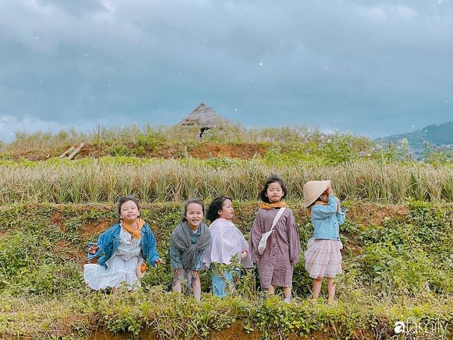 """Bộ ảnh """"nhà có 5 nàng tiên"""" rủ nhau lên Mù Cang Chải đẹp như tranh khiến người lớn cũng phải mê mệt - Ảnh 6."""