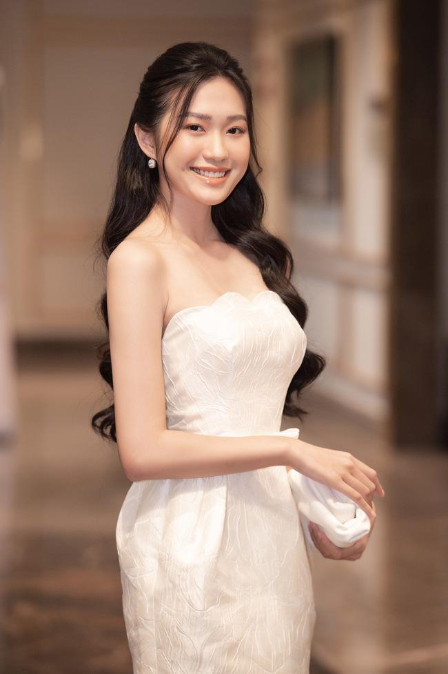 Soi nhan sắc đời thường của dàn thí sinh Hoa hậu Việt Nam 2020: Hầu như ai cũng có sự khác biệt với ảnh dự thi, thậm chí còn lộ gương mặt già hơn tuổi - Ảnh 15.