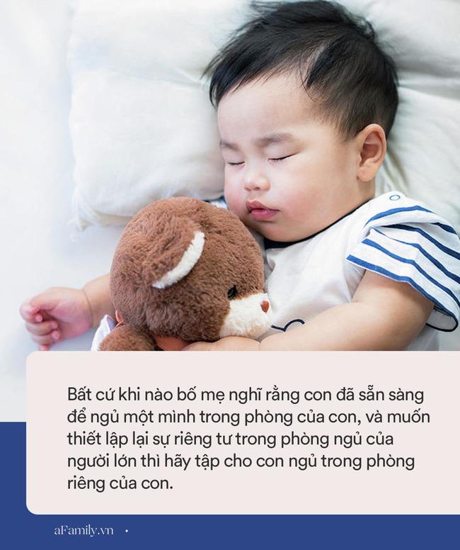 Nếu chuẩn bị cho con ra ngủ phòng riêng, bố mẹ cần nhớ ngay 8 gợi ý này để mọi việc diễn ra thật nhẹ nhàng và vui vẻ - Ảnh 1.