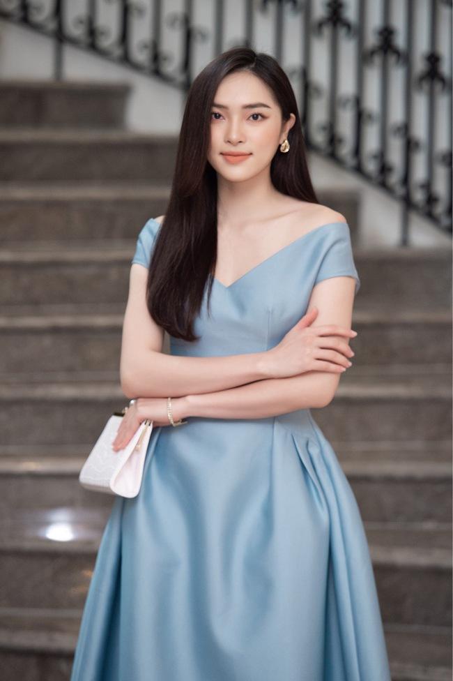 Soi nhan sắc đời thường của dàn thí sinh Hoa hậu Việt Nam 2020: Hầu như ai cũng có sự khác biệt với ảnh dự thi, thậm chí còn lộ gương mặt già hơn tuổi - Ảnh 2.