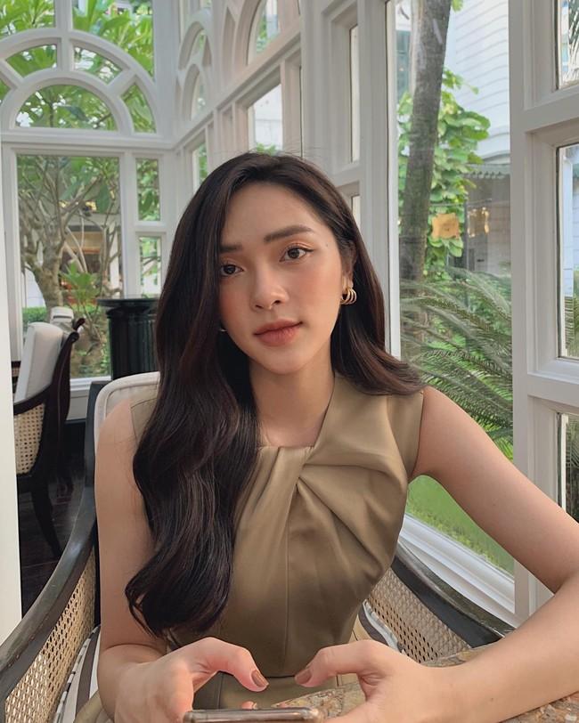 Soi nhan sắc đời thường của dàn thí sinh Hoa hậu Việt Nam 2020: Hầu như ai cũng có sự khác biệt với ảnh dự thi, thậm chí còn lộ gương mặt già hơn tuổi - Ảnh 6.