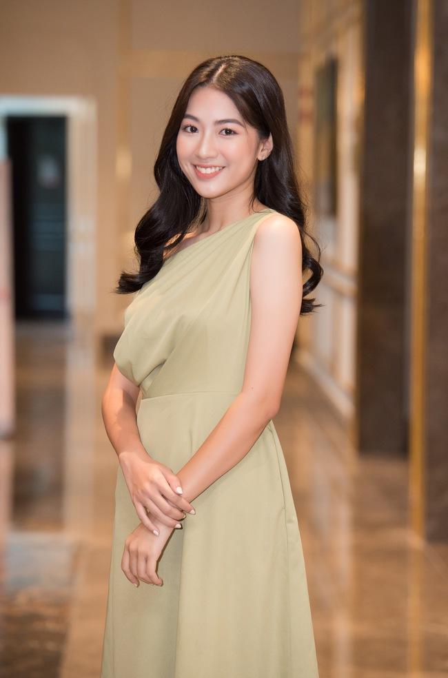 Soi nhan sắc đời thường của dàn thí sinh Hoa hậu Việt Nam 2020: Hầu như ai cũng có sự khác biệt với ảnh dự thi, thậm chí còn lộ gương mặt già hơn tuổi - Ảnh 11.