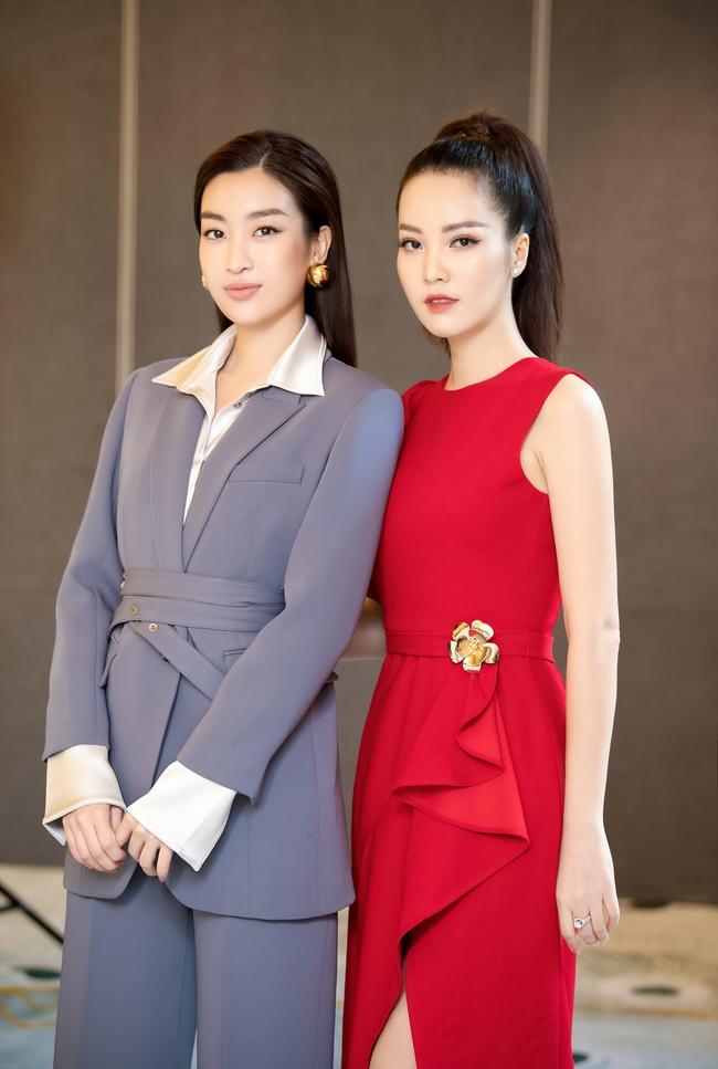"""Á hậu Thụy Vân """"đánh lẻ"""" diện váy đỏ nổi bật đọ sắc cùng Hoa hậu Hà Kiều Anh và Đỗ Mỹ Linh  - Ảnh 8."""