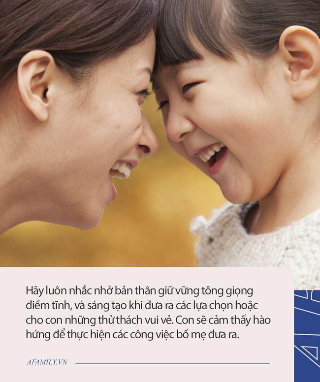 """Bố mẹ không việc gì phải """"cáu tiết"""" mỗi khi con không nghe lời, áp dụng 5 cách nhỏ mà có võ này thì mọi việc tự khắc êm xuôi - Ảnh 2."""