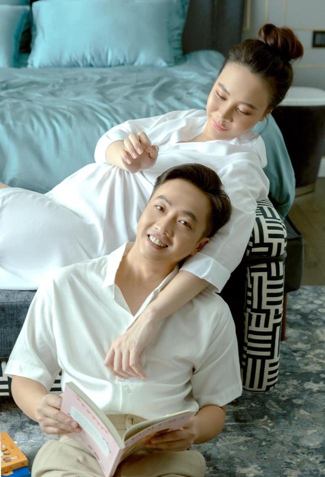 Loạt ảnh mới được tiết lộ của Đàm Thu Trang trước ngày lâm bồn, nhan sắc mẹ bầu đẹp rạng rỡ khiến ai cũng xuýt xoa - Ảnh 10.