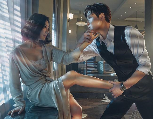 Loạt phim Hàn nhận lệnh phạt vì nhiều lý do: Ji Chang Wook khỏa thân đánh nhau, Kim Soo Hyun để gái xinh sờ soạng văng tục - Ảnh 3.