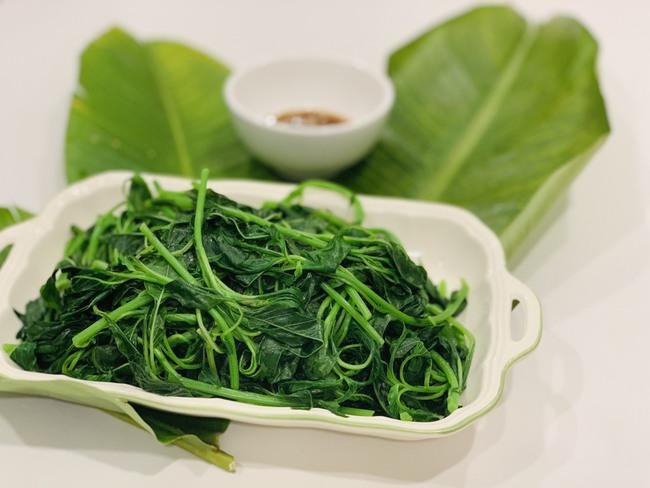 Độc quyền: Hoa hậu Ngọc Hân chia sẻ bữa tối 3 món giản dị nấu nhanh mà ngon đến ngỡ ngàng! - Ảnh 3.