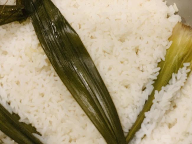 Độc quyền: Hoa hậu Ngọc Hân chia sẻ bữa tối 3 món giản dị nấu nhanh mà ngon đến ngỡ ngàng! - Ảnh 1.