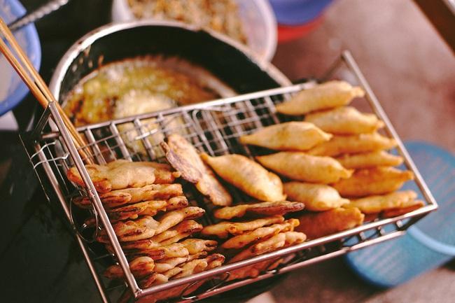 Bỏ túi ngay 5 loại món ăn vặt chiên rán order ngon hết nấc tại Hà Nội, chưa thử coi như phí cả đời người! - Ảnh 10.