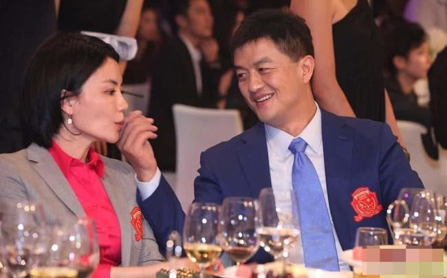 Vì sao Vương Phi lại quyết định ly hôn với Lý Á Bằng? - Ảnh 1.