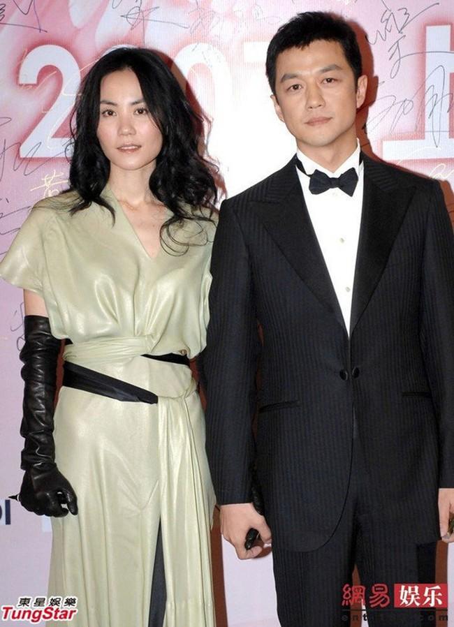 Vì sao Vương Phi lại quyết định ly hôn với Lý Á Bằng? - Ảnh 2.