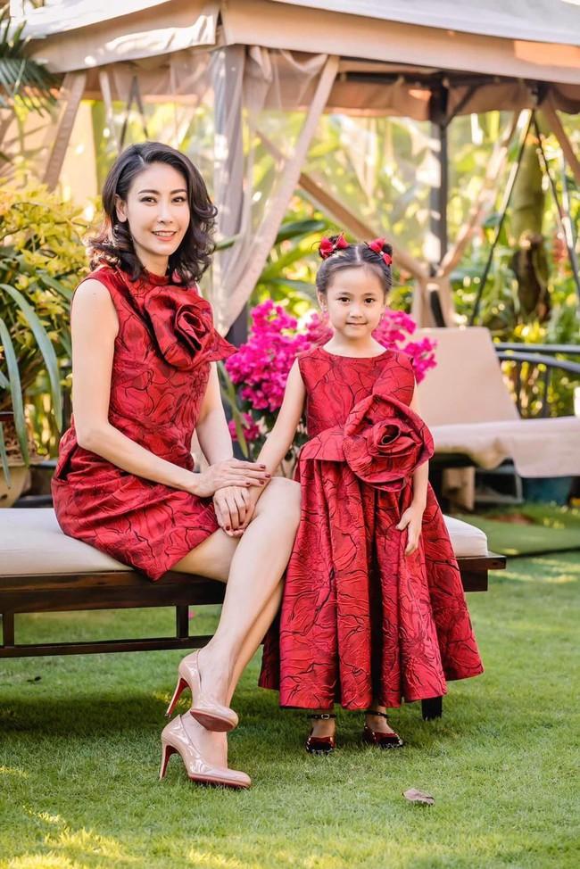 """Con gái Hoa hậu Hà Kiều Anh: Xinh xắn - thông minh - dịu dàng, """"ngậm thìa vàng"""" từ nhỏ nhưng không được phép kiêu ngạo - Ảnh 1."""