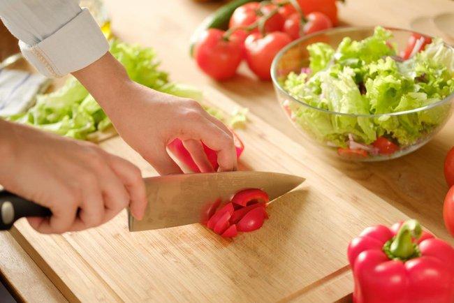 Nếu muốn giữ gìn sức khỏe và ngăn ngừa bệnh tật, các chị em hãy đập tan những quan niệm sai lầm về cholesterol này - Ảnh 3.