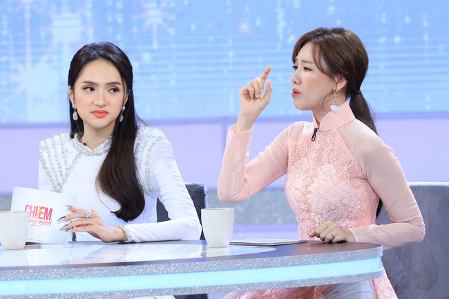 Hari Won tức giận vì bị đổ lỗi là nguyên khiến khiến Trấn Thành thường xuyên đi trễ - Ảnh 3.