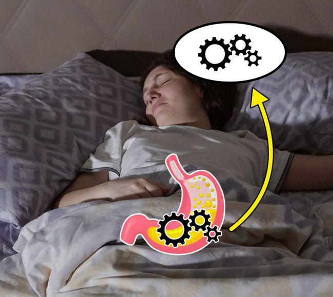 Điều gì xảy ra nếu bạn chợp mắt ngay sau khi ăn: Biết được rồi chắc chắn bạn sẽ cố thức chứ không dại gì mà nằm luôn xuống - Ảnh 3.