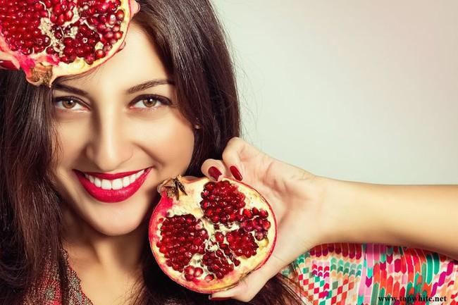 Phụ nữ mỗi ngày ăn một quả lựu, sau 1 tháng cơ thể sẽ có những thay đổi ngạc nhiên - Ảnh 1.