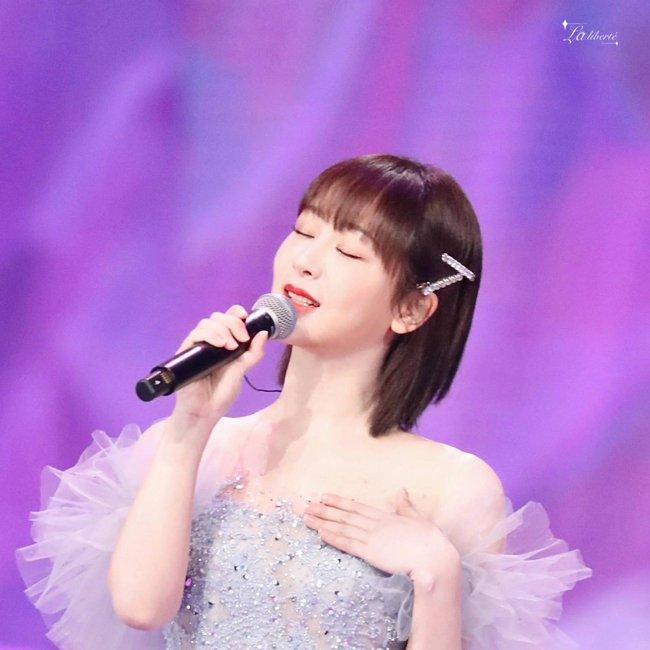 Dương Tử hóa công chúa, mặc váy xòe bồng bềnh nhưng mặt nhỏ gọn xinh đẹp mới là tâm điểm chú ý  - Ảnh 10.