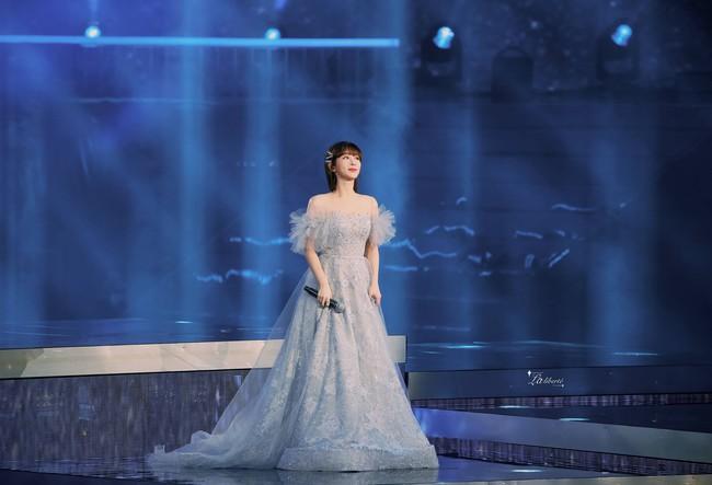 Dương Tử hóa công chúa, mặc váy xòe bồng bềnh nhưng mặt nhỏ gọn xinh đẹp mới là tâm điểm chú ý  - Ảnh 11.