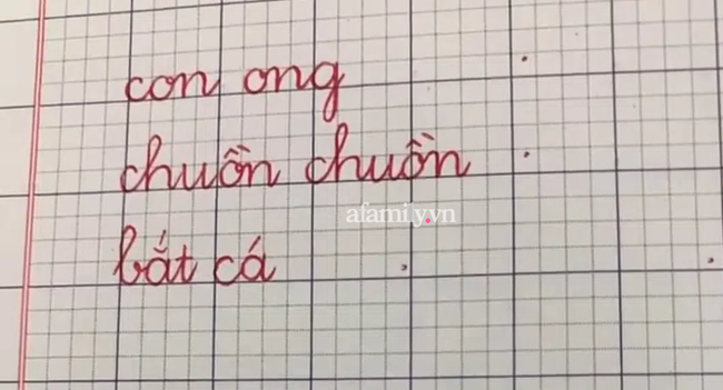 Áp dụng đúng 5 bước hạ cỡ chữ từ dễ đến khó của cô giáo tiểu học này, bảo đảm các con sẽ viết chữ nhỏ siêu đẹp - Ảnh 6.