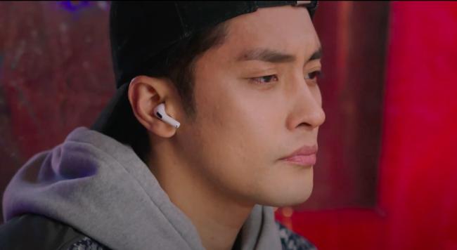 Hoàng Yến Chibi hôn môi nồng nàn Sung Hoon trong phim chiếu ở Hàn Quốc - Ảnh 3.