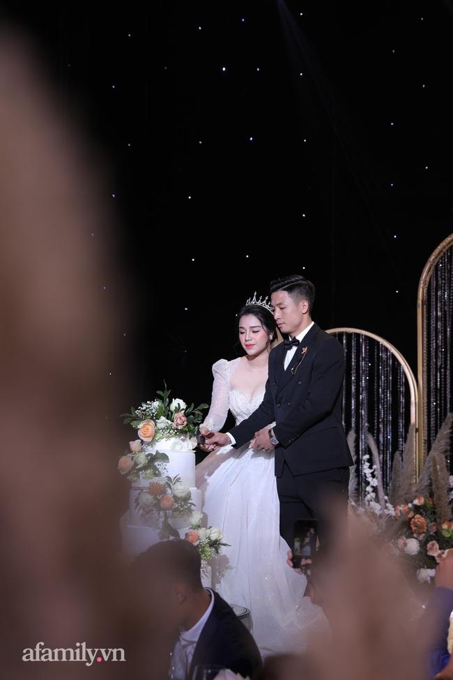Tiết lộ khoảnh khắc Bùi Tiến Dũng nghẹn ngào không thốt nên lời khi trao lời thề với cô dâu Khánh Linh được chia sẻ lại khiến người xem xúc động - Ảnh 4.