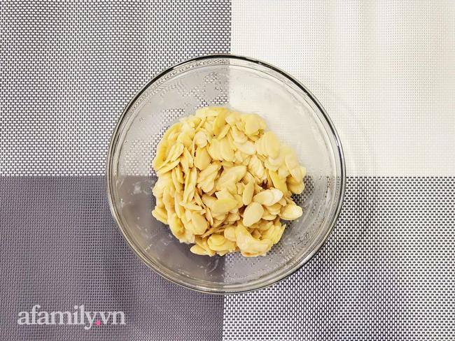 """Cô giáo dạy bánh 8x cực hot chia sẻ cách làm bánh hạnh nhân lát bất bại, ăn một lần là """"si mê"""" - Ảnh 7."""