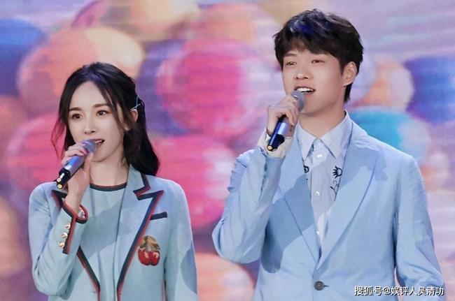Những fanboy nổi tiếng của dàn mỹ nhân Hoa ngữ - Ảnh 2.