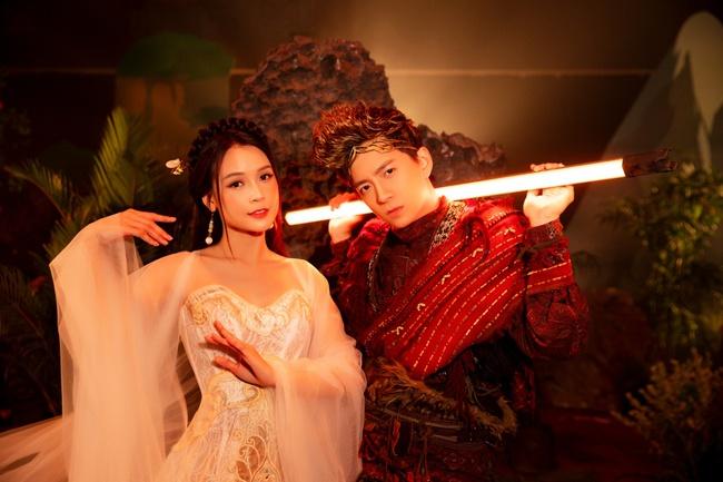 """Ngô Kiến Huy hé lộ tạo hình Tôn Ngộ Không siêu điển trai bên cạnh nàng """"tiểu thư"""" Sam xinh đẹp ngút ngàn - Ảnh 6."""