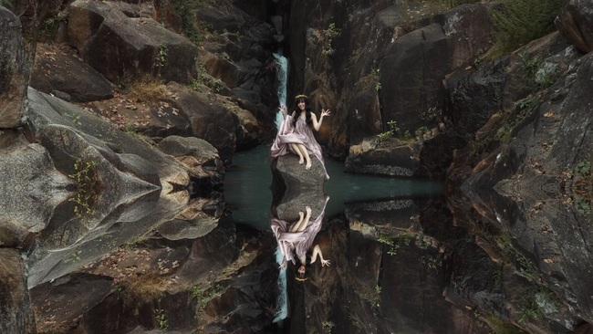 """TiA Hải Châu hóa công chúa trên nương, tạo trend """"vũ điệu vó ngựa"""" cho hội chị em """"đi quẩy"""" - Ảnh 3."""
