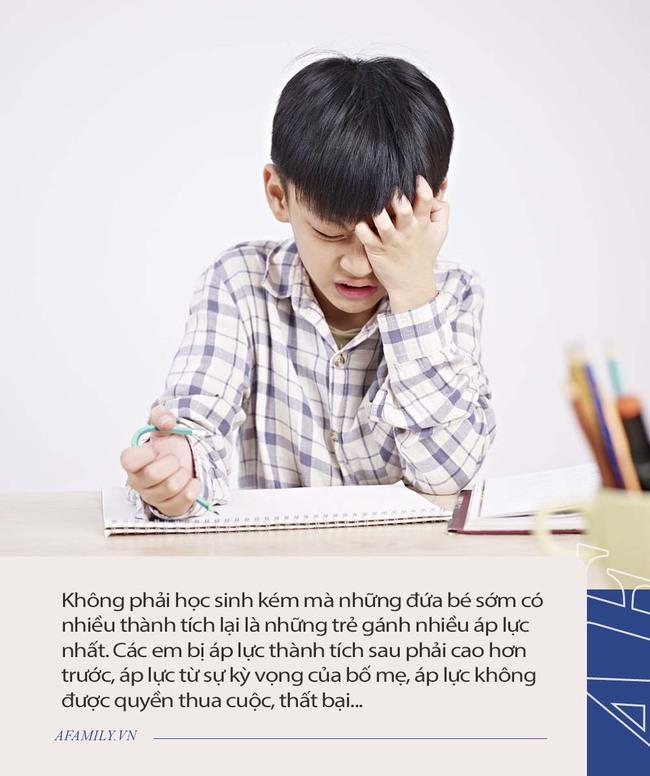 """Từ chuyện ông bố ở TP. HCM """"chặn"""" những người khoe điểm con đến tranh cãi có nên đưa kết quả học tập của con lên mạng: Người cho rằng tốt khoe xấu che, kẻ móc mỉa chỉ trích - Ảnh 3."""