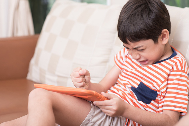 """Từ chuyện ông bố ở TP. HCM """"chặn"""" những người khoe điểm con đến tranh cãi có nên đưa kết quả học tập của con lên mạng: Người cho rằng tốt khoe xấu che, kẻ móc mỉa chỉ trích - Ảnh 4."""