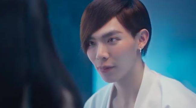 Erik ra MV tình tứ với gái xinh nhưng make up kiểu gì mà nữ tính hệt như Đào Bá Lộc  - Ảnh 3.