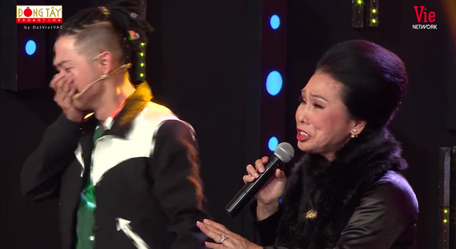 Ký ức vui vẻ: Xin lên sân khấu hát ngẫu hứng cùng đàn chị, Thanh Duy bật khóc khiến ai cũng ngỡ ngàng  - Ảnh 5.