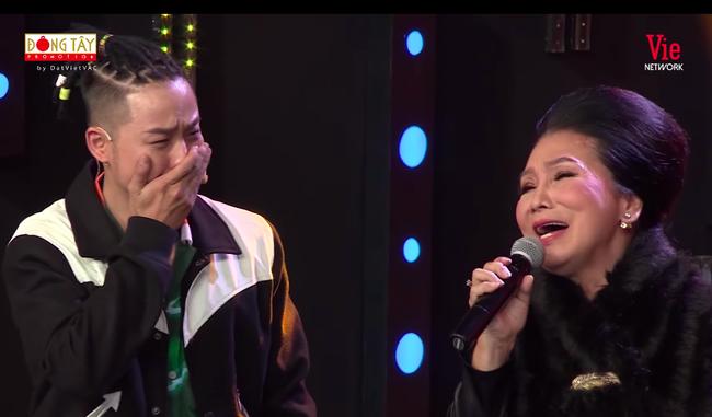 Ký ức vui vẻ: Xin lên sân khấu hát ngẫu hứng cùng đàn chị, Thanh Duy bật khóc khiến ai cũng ngỡ ngàng  - Ảnh 4.