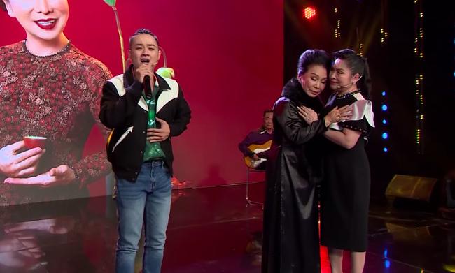 Ký ức vui vẻ: Xin lên sân khấu hát ngẫu hứng cùng đàn chị, Thanh Duy bật khóc khiến ai cũng ngỡ ngàng  - Ảnh 6.