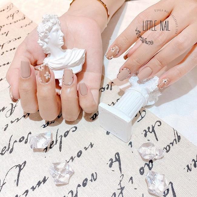 """Những pha làm nail bất hủ: Chi gần 1 triệu để nhận lại bộ móng nhìn như bị mốc cũng chưa bằng tác phẩm trà sữa nhìn """"phèn"""" phát hờn - Ảnh 24."""