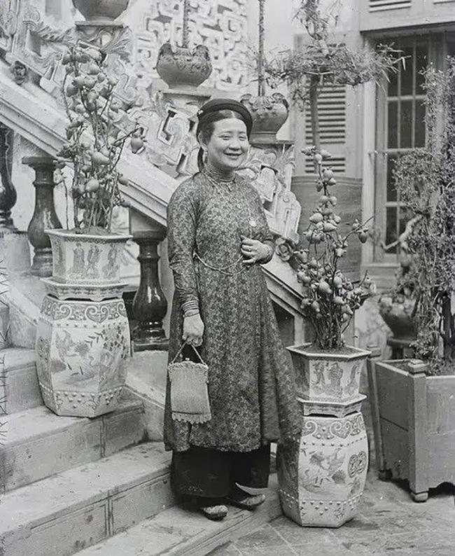 """Nữ đại gia đầu tiên của Việt Nam với khối tài sản lẫy lừng: 23 tuổi đã lấy chồng lần 3, chấp nhận cho chồng ngoại tình chỉ vì bản thân """"gái độc không con"""" - Ảnh 2."""