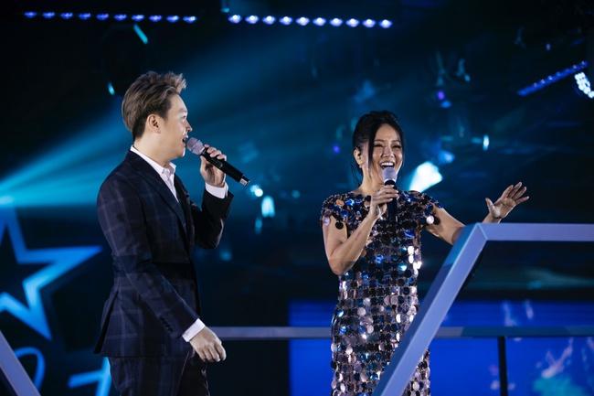 Diva Hồng Nhung, Lam Trường, Lê Hiếu tái hiện loạt hit Làn Sóng Xanh trong đêm nhạc đẳng cấp - Ảnh 9.