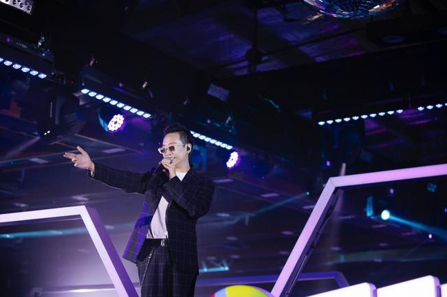 Diva Hồng Nhung, Lam Trường, Lê Hiếu tái hiện loạt hit Làn Sóng Xanh trong đêm nhạc đẳng cấp - Ảnh 5.