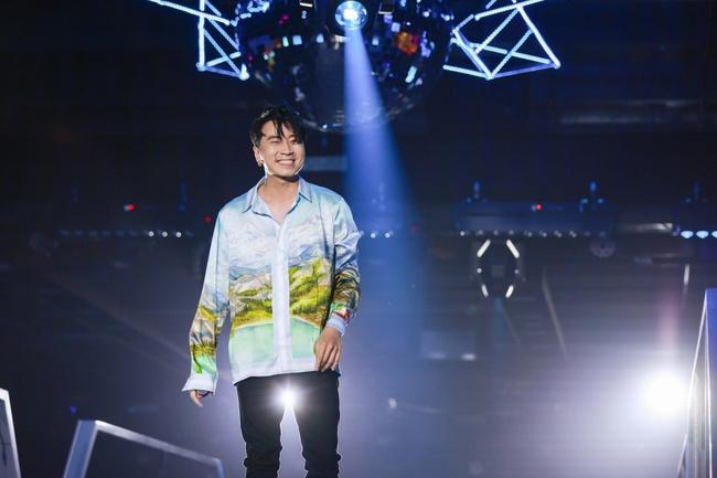 Diva Hồng Nhung, Lam Trường, Lê Hiếu tái hiện loạt hit Làn Sóng Xanh trong đêm nhạc đẳng cấp - Ảnh 3.