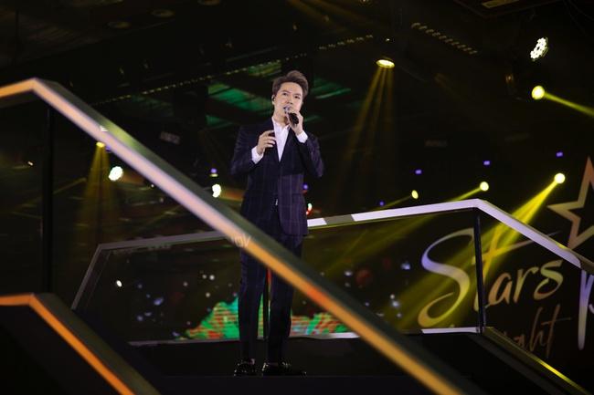 Diva Hồng Nhung, Lam Trường, Lê Hiếu tái hiện loạt hit Làn Sóng Xanh trong đêm nhạc đẳng cấp - Ảnh 10.