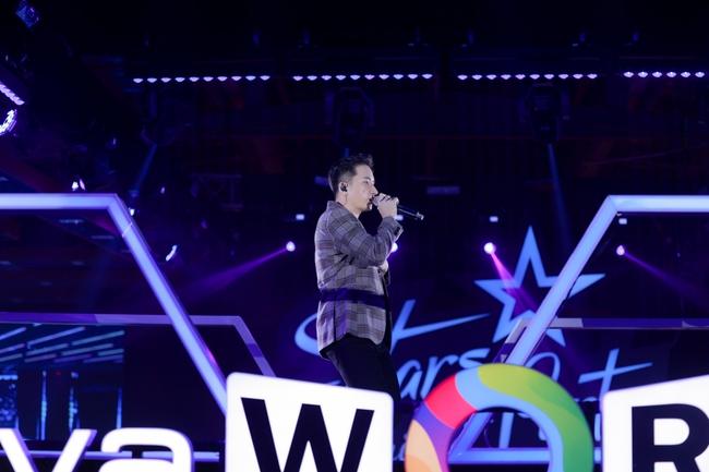 Thanh Hà duyên dáng pha trò trên sân khấu, chàng nhạc sĩ Phan Mạnh Quỳnh lại gây bất ngờ khi làm điều mới mẻ này - Ảnh 7.