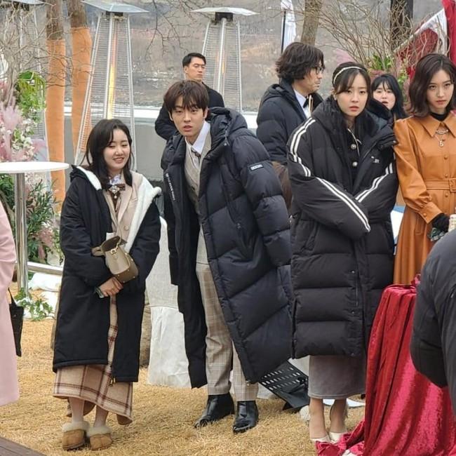 Cuộc chiến thượng lưu lộ phần 2: Dàn rich kids đến dự đám cưới của Seo Jin - Ju Dan Tae, Seokkyung chiếm spotlight vì quá xinh - Ảnh 2.