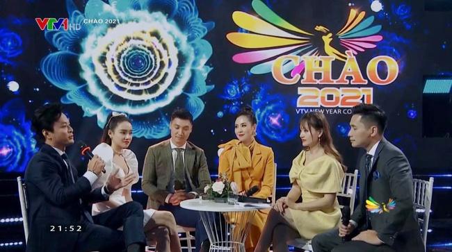 Nhã Phương lên truyền hình còn xinh hơn ảnh photoshop, ngồi cạnh Hồng Đăng - Mạnh Trường gợi nhắc một trời ký ức - Ảnh 3.