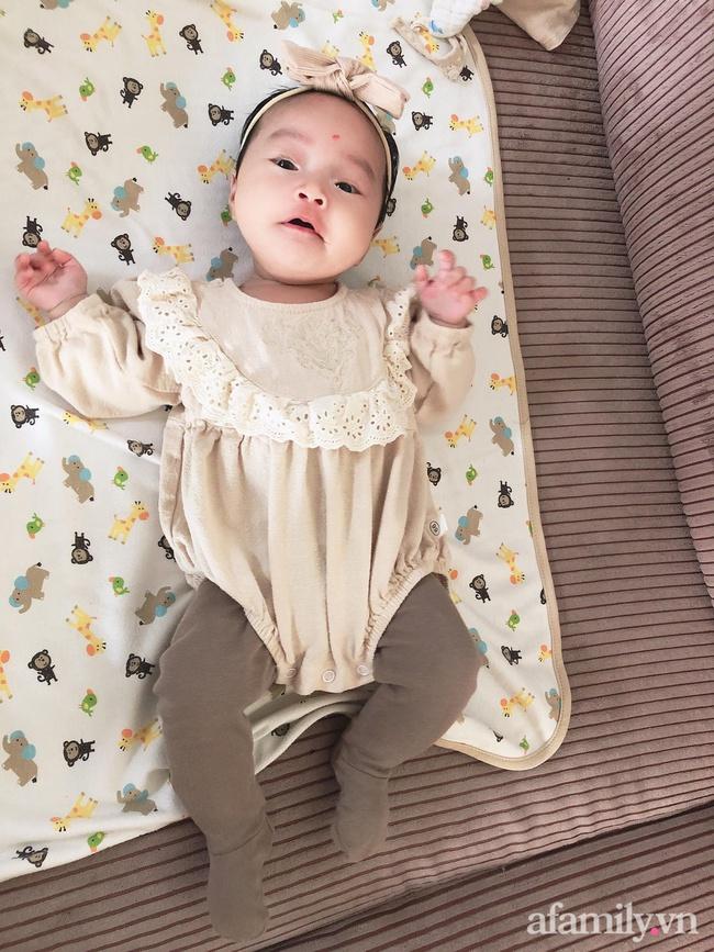 """Bé gái 6 tháng tuổi mặt như tấu hài, còn khiến mẹ muốn """"trầm cảm"""" luôn khi bắt chước biểu cảm """"quạo"""" y chang bố  - Ảnh 5."""
