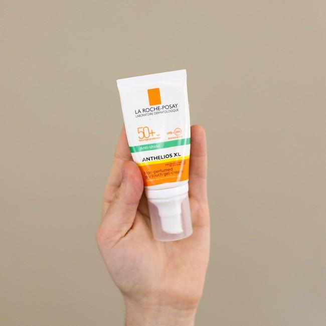 Hội chị em 30+ liệt kê 6 sản phẩm skincare sắm là không hối hận, dùng xong da cứ mịn mướt và trẻ hẳn ra - Ảnh 5.
