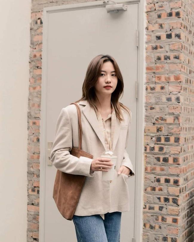 10 mẫu áo blazer rất trẻ trung nhưng ghi điểm thanh lịch tuyệt đối để diện Tết, hay nhất là chỉ có giá từ 520k - Ảnh 5.